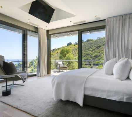 Luxury holiday residence - 4 Bedrooms - with Housekeeping, Concierge, Wifi, Live-in-housekeeper, bar, air-conditioning, heating, ice maker, office, elevator,...