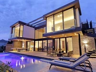 5 bedroom Villa with pool in Camps Bay vacation rental - short term