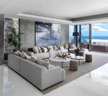 Onyx is a 7 bedroom holiday villa in Bantry Bay - Cape Town with two pools