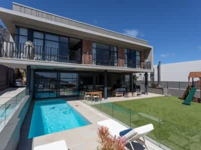 Luxury holiday residence - 5 Bedrooms - with Housekeeping, Concierge, Wifi, Pool, Climbing frame, Terrace, Pool loungers, Sea views, Air-conditioning,...