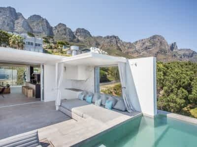 Luxury holiday residence - 5 Bedrooms - with Housekeeping, Concierge, Wifi, Bar, Jacuzzi, Fireplace, Heating, Air-conditioning, security system, sound system, pool, terrace,...