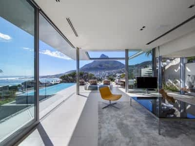 Welcome to Spahire. Designed by a multi-award winning South African architect to provide the best Atlantic seaboard lifestyle experience Cape Town has to offer.