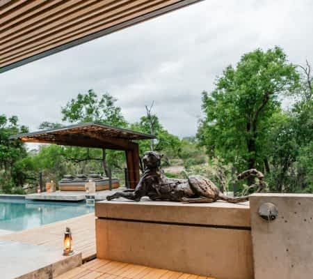 Safari - 4 Bedrooms - with Air Conditioning, All meals provided, Chef, Electric game viewing vehicle, Fireplace, Game walks, Heated Pool,...